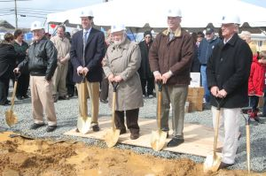 Breaking Ground:Harold Farin, Committee Member; Scott Bannett, Contractor; Rabbi Jacob Friedman, JCC Spiritual Leader; Jeff Shapiro, Committee Chair; Craig Brearley, Architect